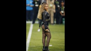Review: Beyonce upstages Coldplay in...