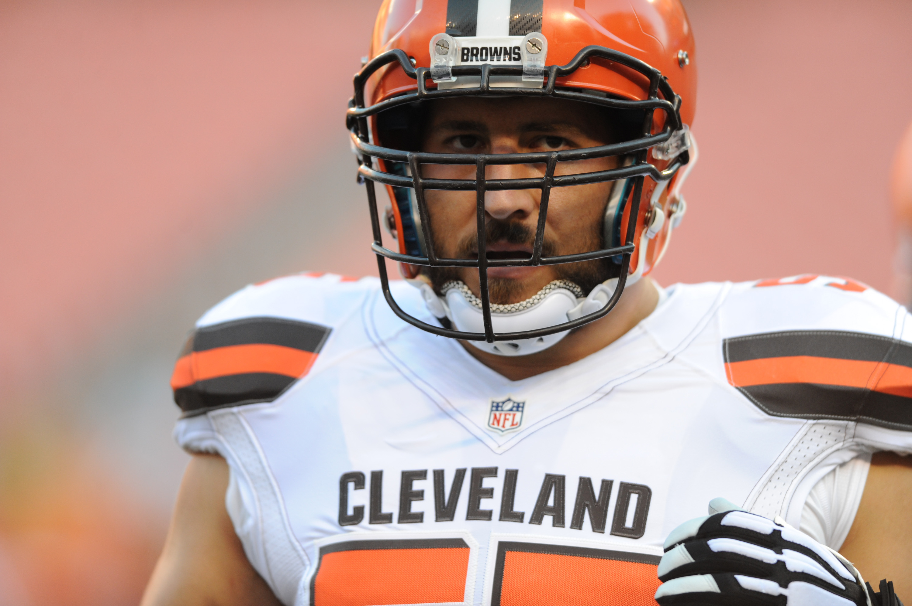 Alex Mack leaves Cleveland Browns for Atlanta Falcons