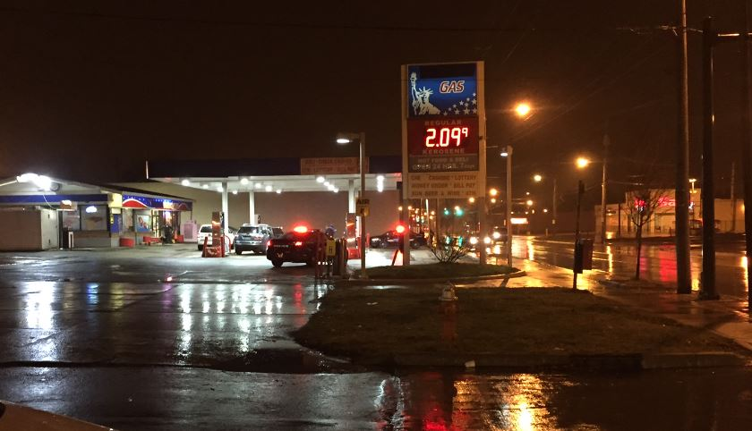 2 shot in attempted robbery at cleveland gas for Cleveland gas station mural