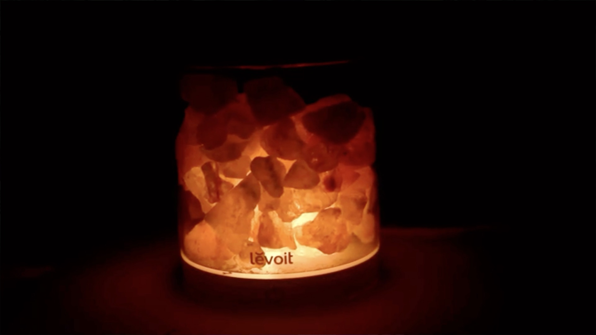 Salt Lamps And Allergies : Can This USD 25 Lamp Fight Allergies And Purify The Air? WFMYNEWS2.com