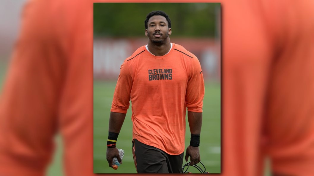 Browns Garrett Has Sprained Foot Expected To Be In Camp
