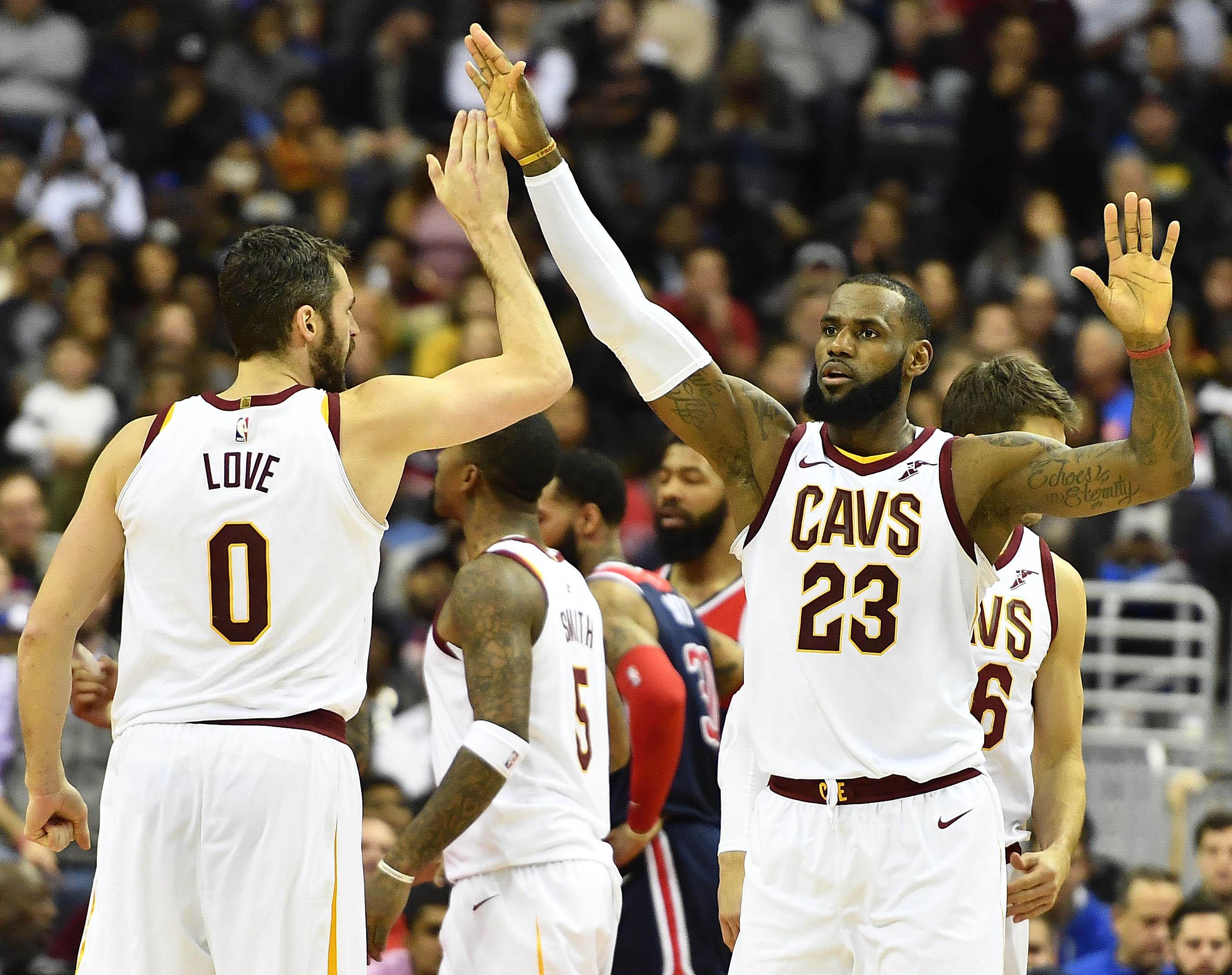 Warriors và Cavaliers gặp nhau ngày giáng sinh với những nỗi lo
