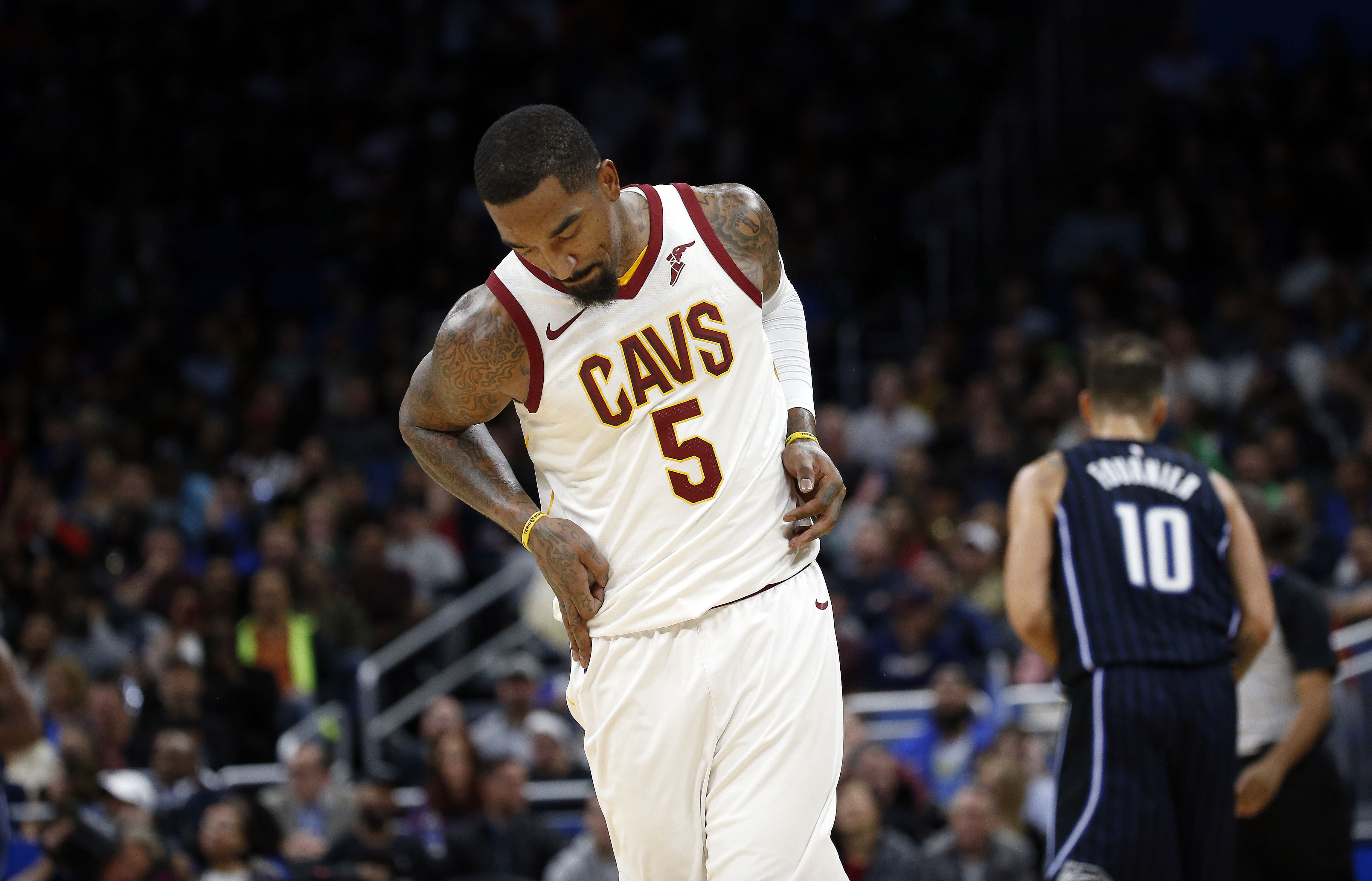 Cleveland's Love leaves game at Detroit with broken hand